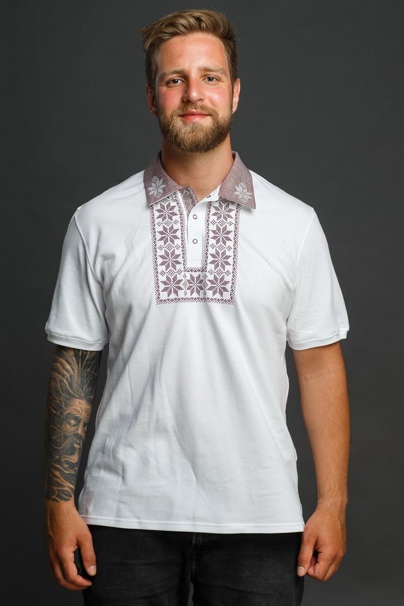 Мужская рубашка-поло с вышивкой и бежевым декором. Фото 1