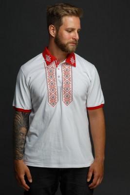Мужская рубашка-поло с вышивкой и красным декором. Фото 2