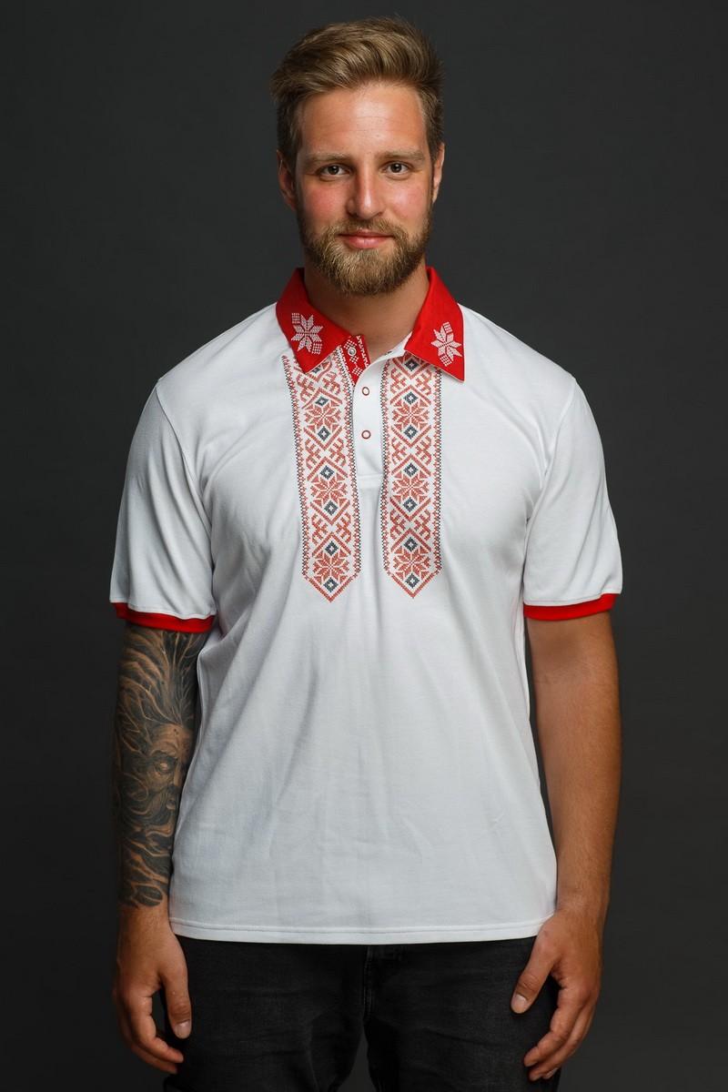 Мужская рубашка-поло с вышивкой и красным декором. Фото 4