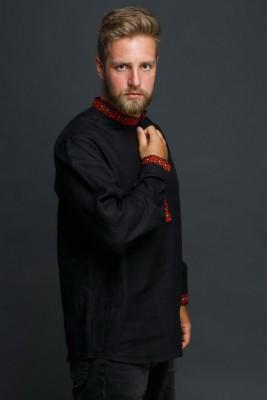 """Мужская льняная рубашка """"Праздничная"""" в черном цвете. Фото 2"""